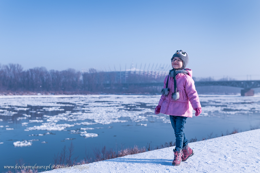 Spacer nad Wisłą, zima w Warszawie