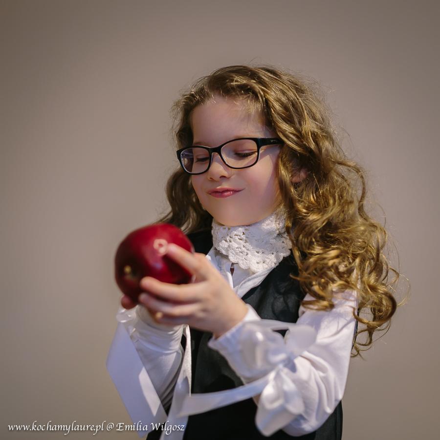 Laura jako Izaac Newton