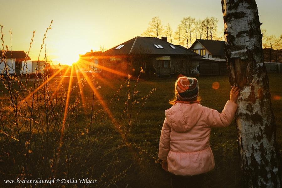 Zachód słońca - fotografia dzieci plener
