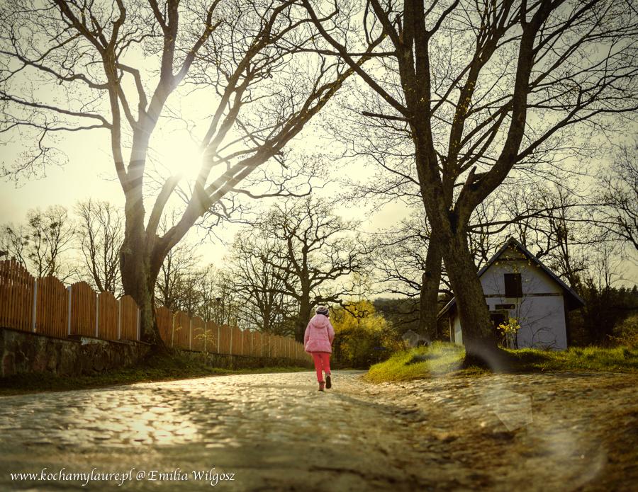 Flara, fotografia, dzieci, światło zastane