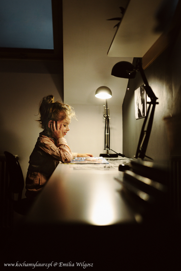 Laura podczas nauki