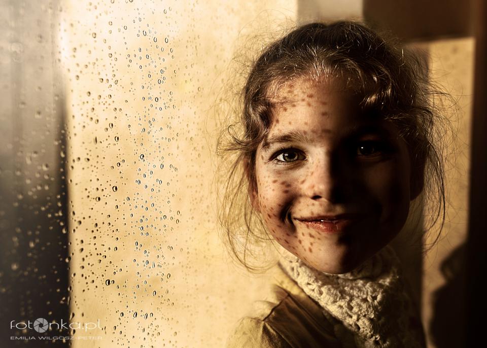 Dziewczyna, światło o deszcz