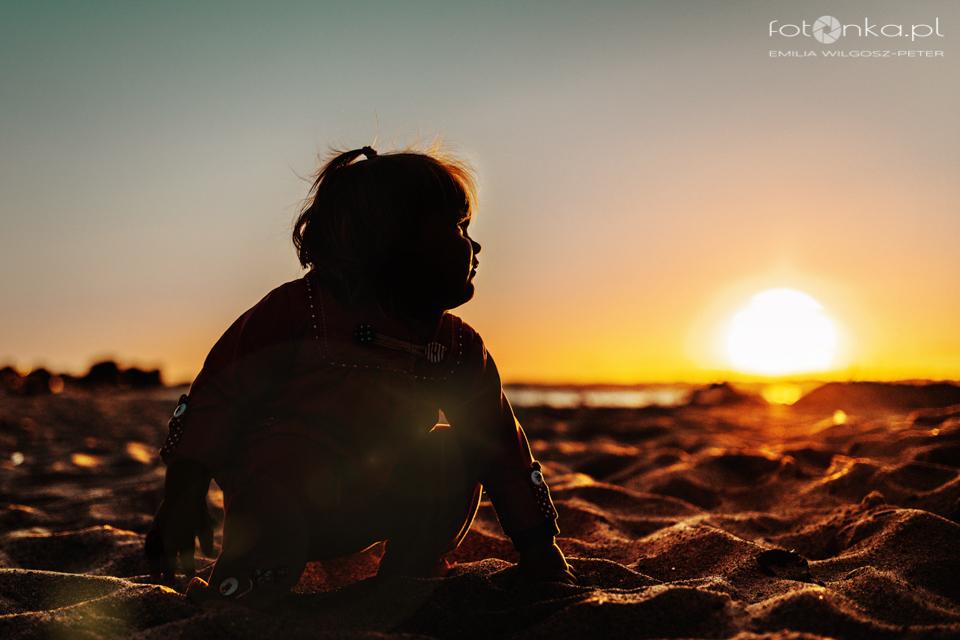 Dziecko ma plaży - fotografia dziecięca