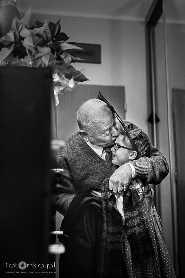 Dziadek i wnuczka - fotografia rodzinna