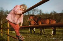 Laura i konie – Kwiecień 2018