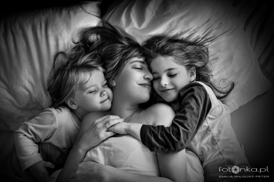 Matka i córki - fotografia rodzinna