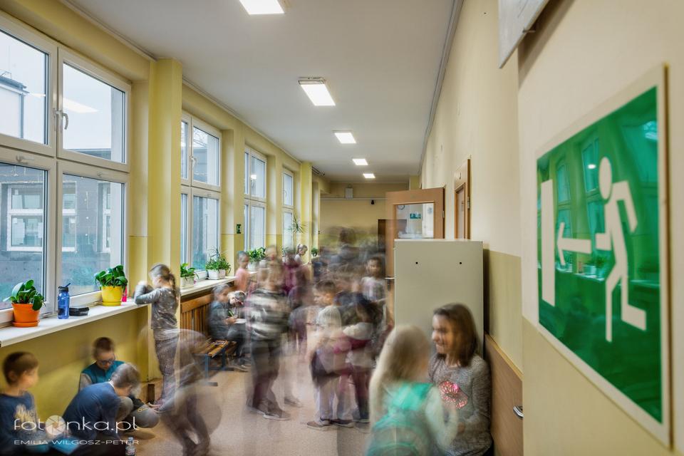 Tłok w szkole - fotografia w ruchu