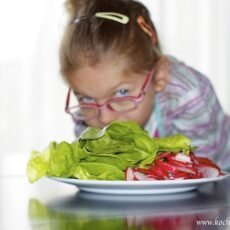 Chcesz zdrowo żywić dziecko? To szykuj się na wojnę!
