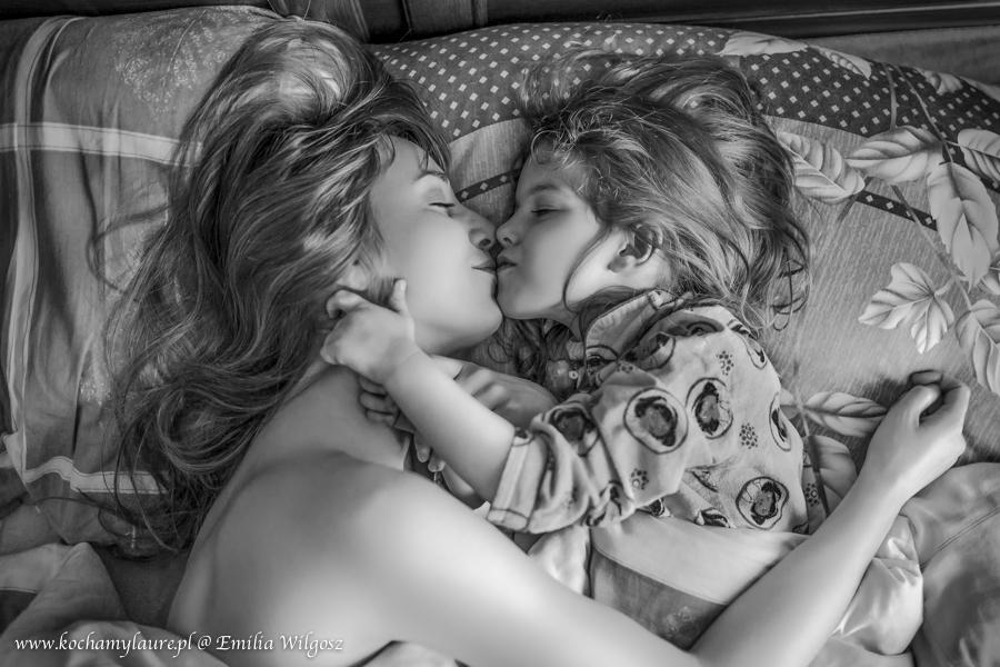Miłość o poranku - Emilia i Laura Wilgosz
